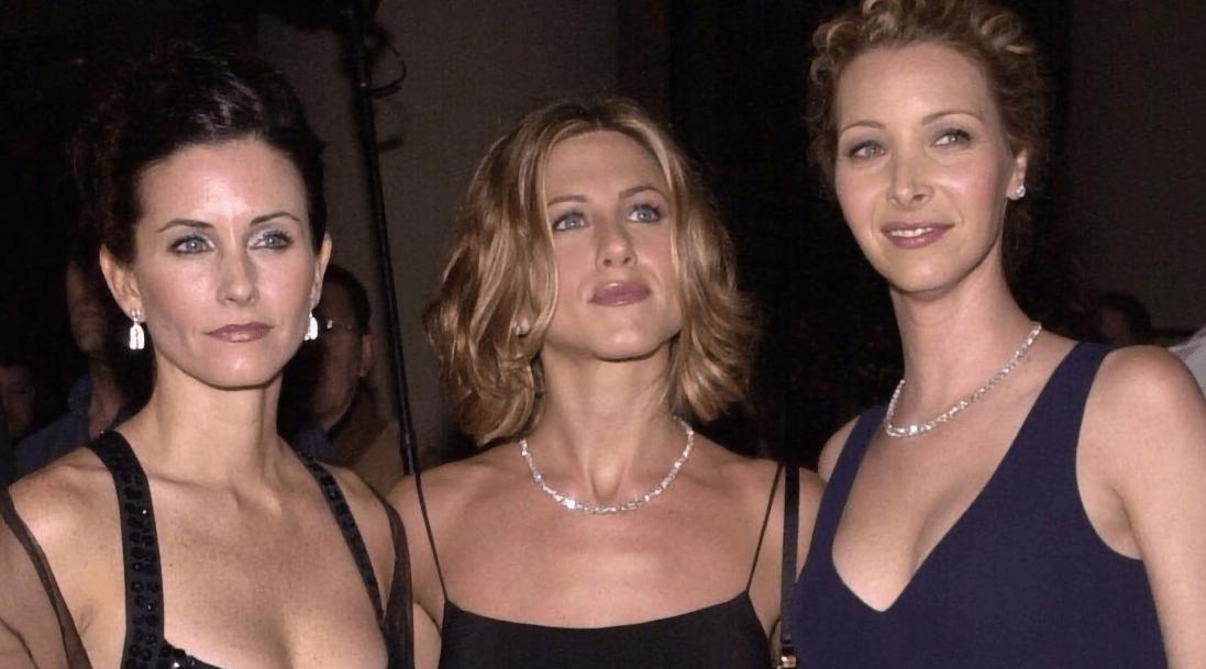 Актрисы из сериала «Друзья» появились вместе на «Эмми»