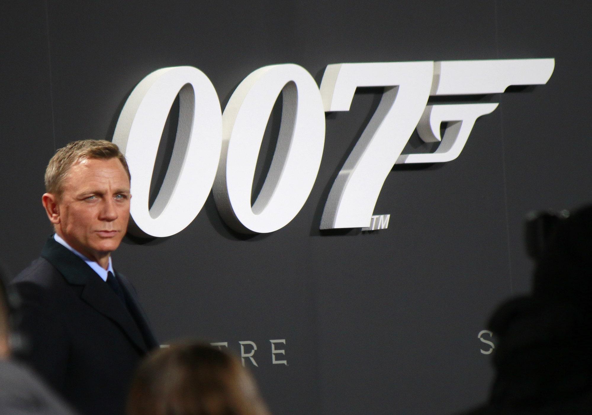 Крупная сеть кинотеатров объявила о закрытии кинозалов после переноса премьеры нового фильма о Бонде