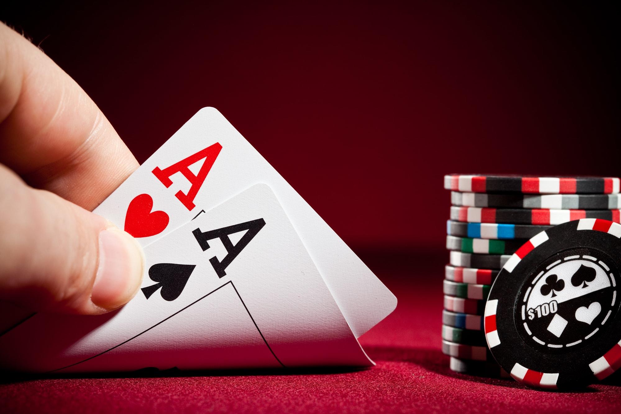 Режиссер фильма «Казино Рояль» признал ошибку в сцене с покером