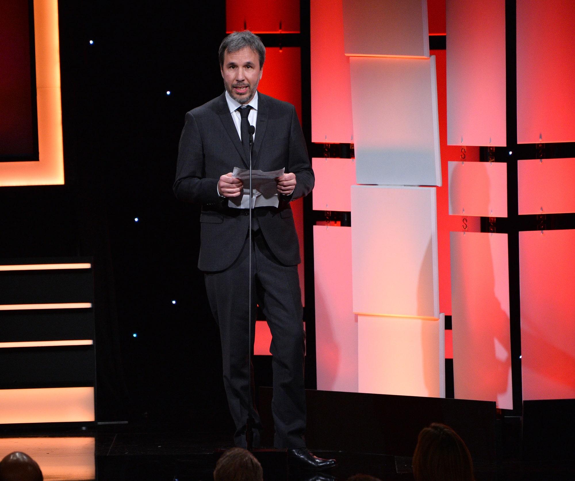 Джейсон Момоа и Джош Бролин поддержали Дени Вильнёва, который выступил против одновременного релиза «Дюны» в кинотеатрах и онлайн