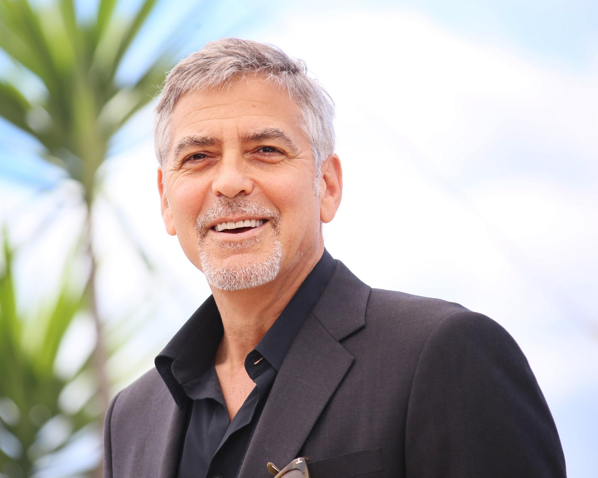 Джордж Клуни рассказал о том, как снимался пьяным в сцене с Мишель Пфайффер