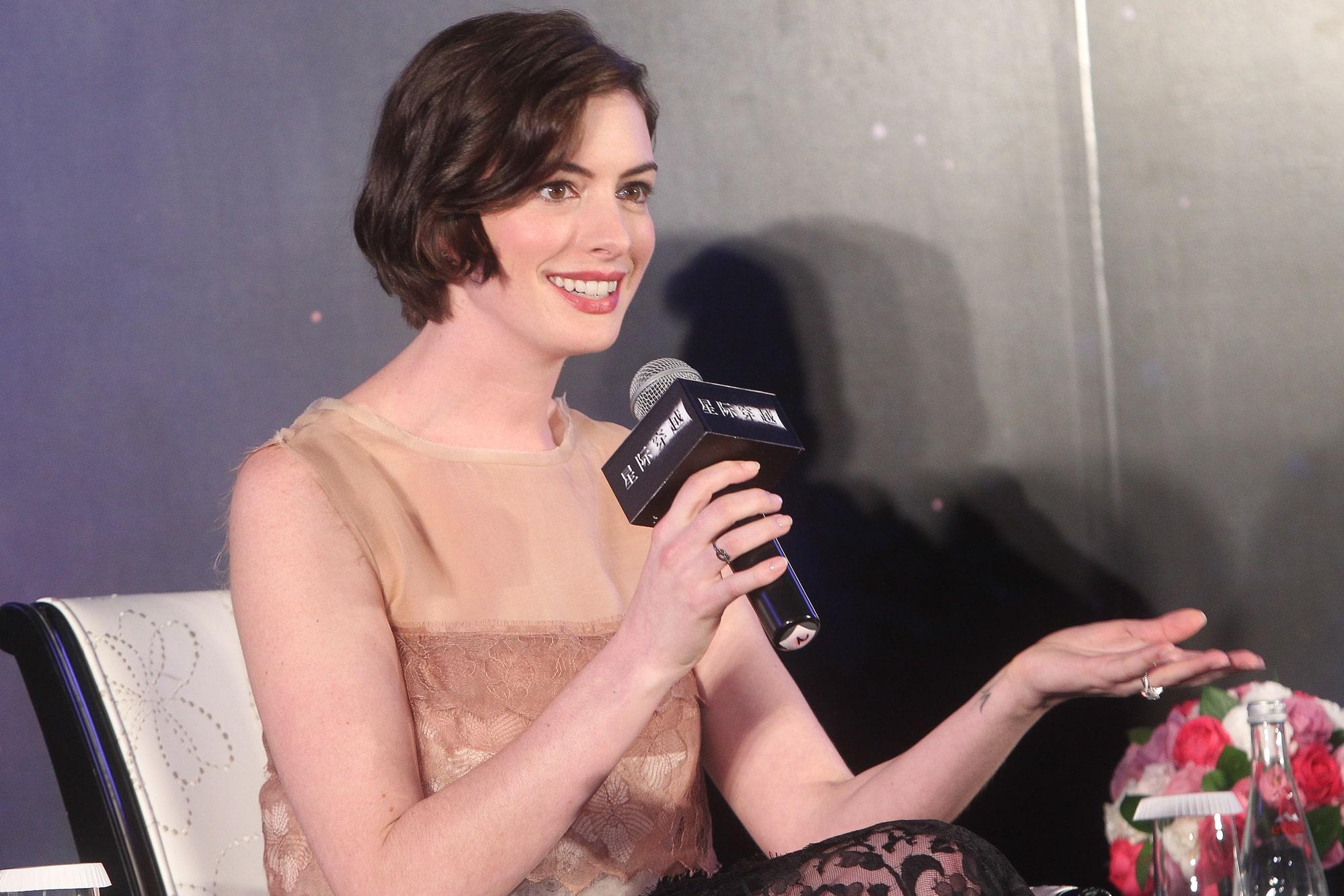 Энн Хэтэуэй рассказала, что была девятой актрисой на роль в фильме «Дьявол носит Prada»