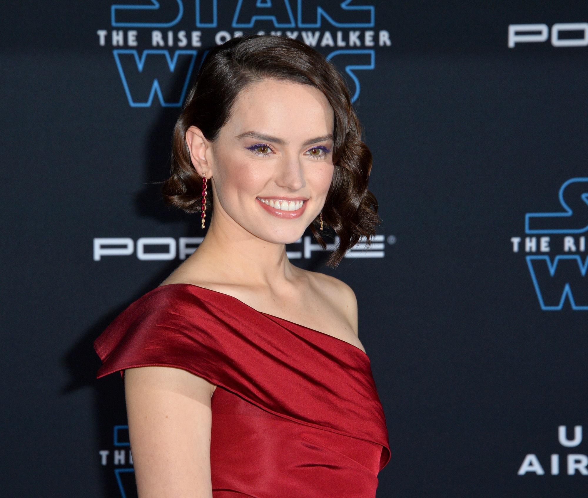 Дейзи Ридли рассказала, что плакала весь день после окончания съемок «Звездные войны: Скайуокер. Восход»