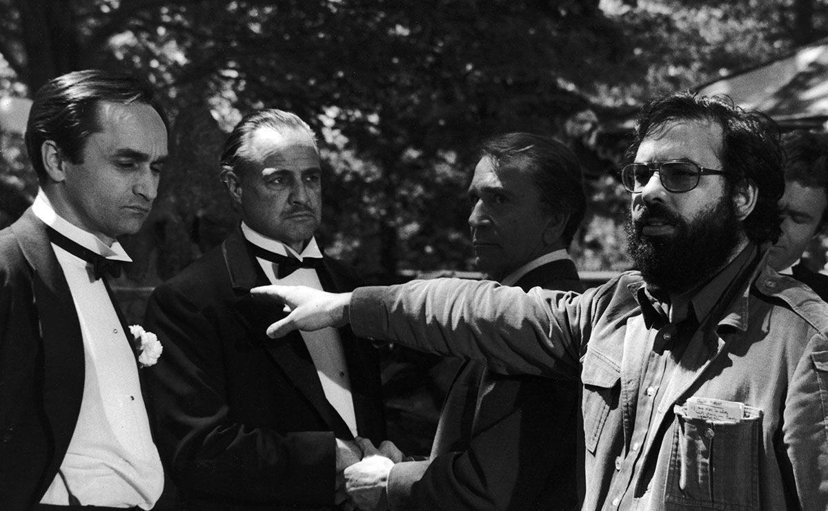 Коппола руководит актерами на съемках «Крестного отца»
